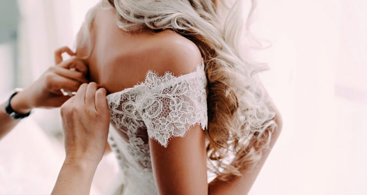 How to get the perfect spray tan glow before your wedding day