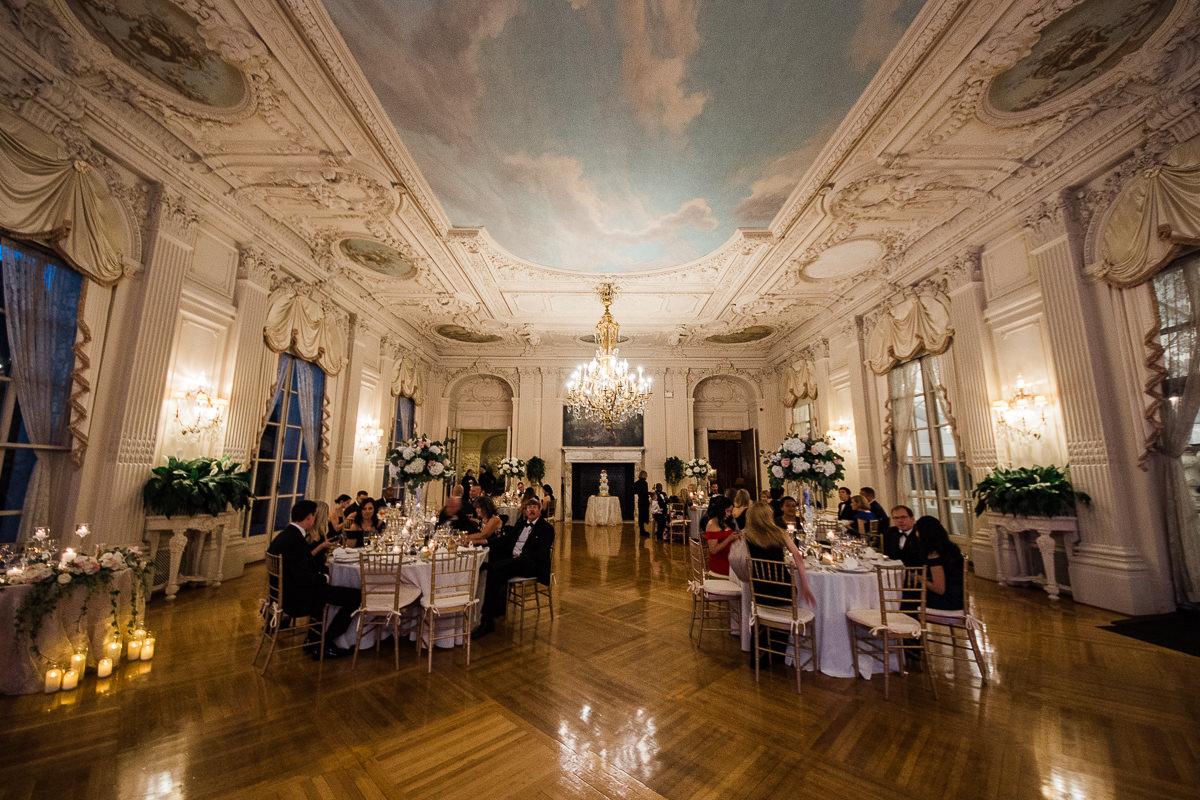 gilded-mansion-wedding-rosecliff-1407