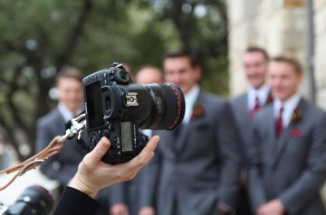 More Than Just Camera Tricks: 4 Signs of a Competent Wedding Photographer